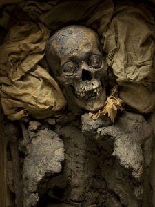 La medicina en Egipto. la momia de Amenhotep II y la odontología