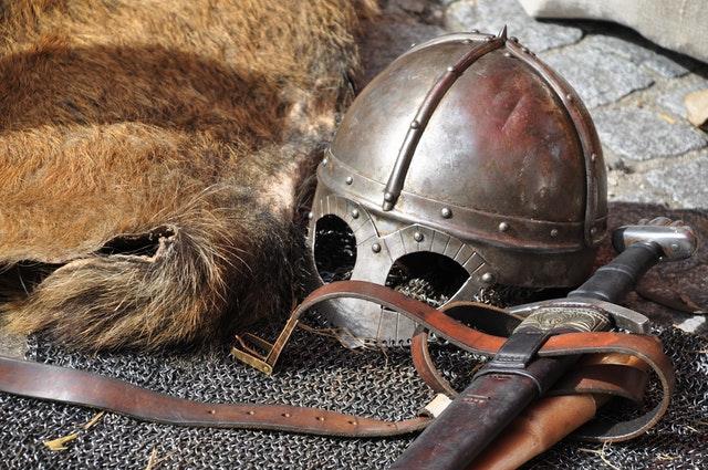 armas y armaduras vikingas (Banished)